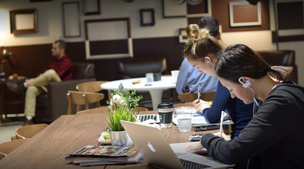 Study English at Central Coffee Bar