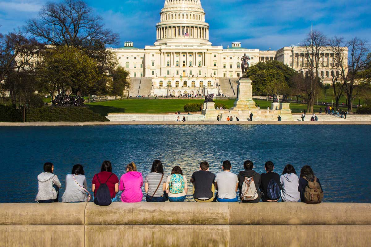 Reasons You Must Study English in Washington DC