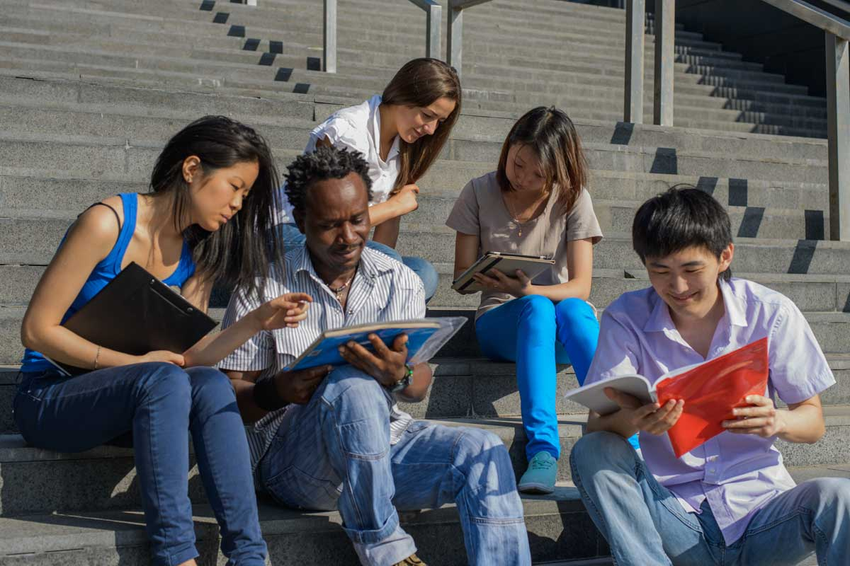 Why Reading is Important for Learning English and How to Prioritize It